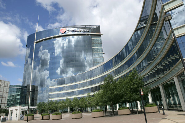 GSK gives taste of data on multiple myeloma drug ahead of ASCO