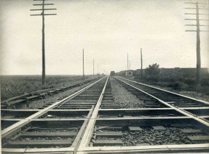 railroad tracks parallel lines