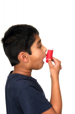 Study review uncovers a potential side effect of asthma inhalers: Slowed growth in children