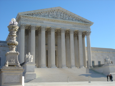 Supreme Court: synthetic genetic material can be patented, but isolated DNA cannot