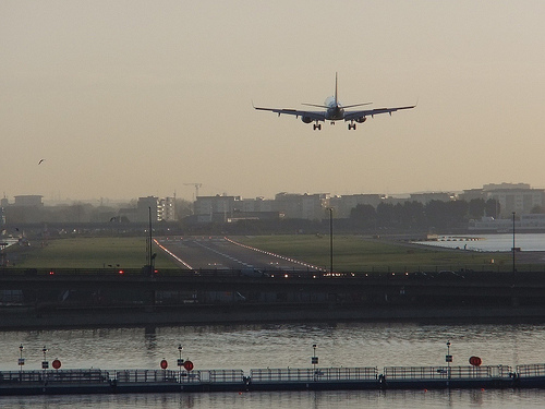 Aircraft noise linked to higher risk of heart disease and stroke