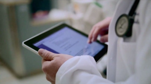 iPad app helps surgeons in the operating room, gives digital overlays of key blood vessels