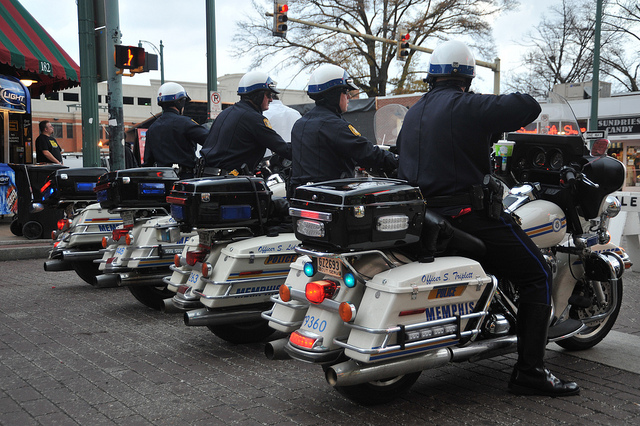 Memphis cops catch 'Blue Flu.' Symptoms? Anger over health benefit cuts, higher premiums