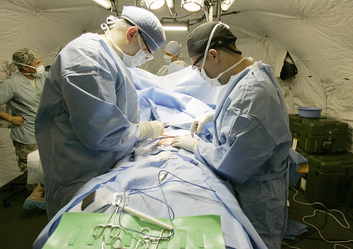 Robotic bladder cancer surgery no better than 'open' surgery, researchers report
